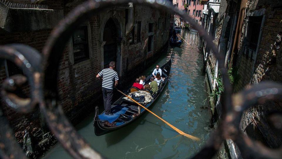 A Venezia arriva il ticket di ingresso: chi entra in città ...