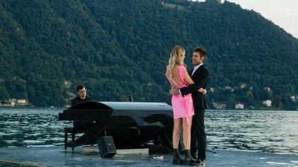 Chiara Ferragni e la sorpresa di Fedez per l'anniversario di matrimonio: concerto 'galleggiante' sul lago di Como