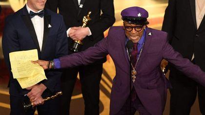 """Oscar 2019, trionfo afroamericano. Spike Lee: """"Le elezioni sono vicine, scegliamo amore, non odio, mettiamoci dalla parte giusta della storia"""""""