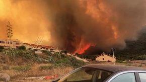 Incendi in Sardegna, le fiamme arrivano nel centro di Cuglieri