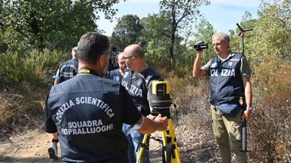 Mostro di Firenze, la polizia scientifica nel bosco di Scopeti: ricostruzioni 3D per un docufilm della Rai