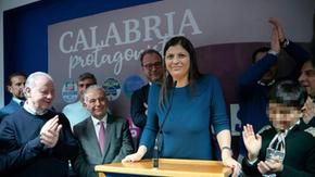 """Scontro tra governo e Calabria, Santelli: """"Non faccio retromarcia. Tutte queste pressioni per quattro tavoli al bar"""""""