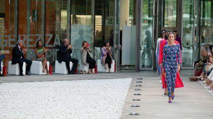 Sfilata Laura Biagiotti a Milano: collezione donna Primavera/Estate 2022