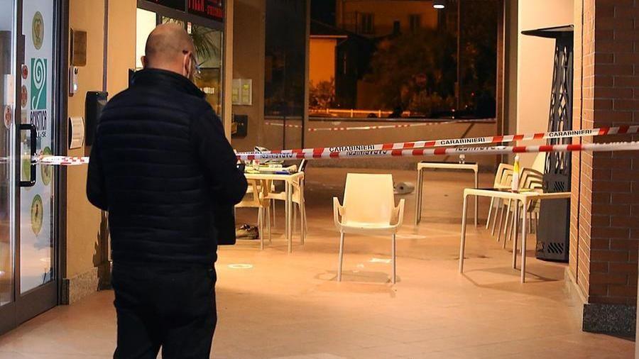 Due fratelli gambizzati fuori da una pizzeria a Castellamonte: fermato un giovane