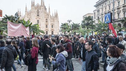 Milano, in seimila al quattordicesimo corteo No Green Pass