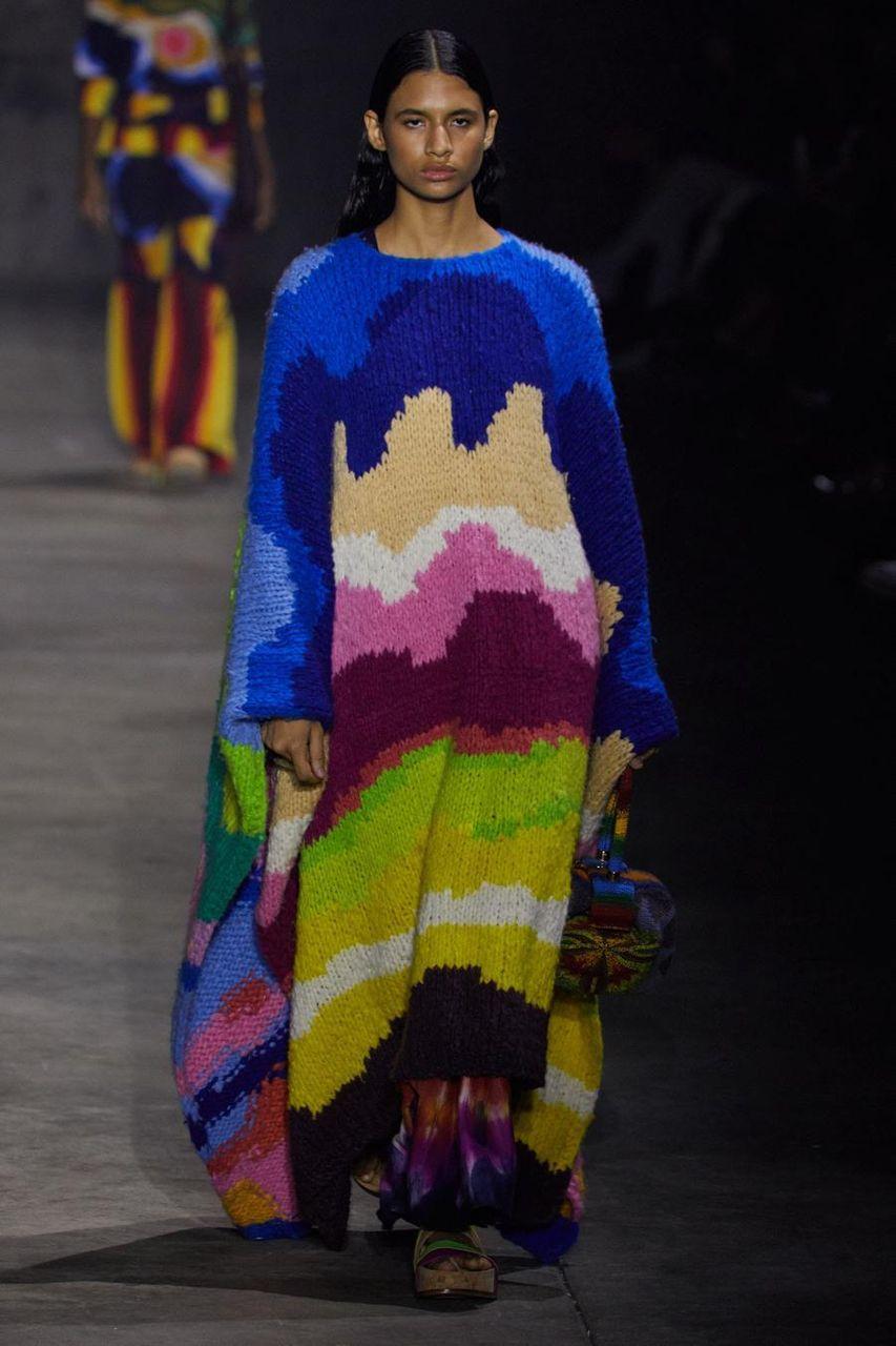Poncho multicolore fatto a mano di Gabriela Hearst
