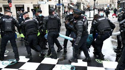 Confessioni e pentimenti di un falso sbirro a Parigi