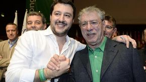 """Bossi spegne 80 candeline e Salvini lo ringrazia: """"Se la Lega è qui è grazie a te"""""""