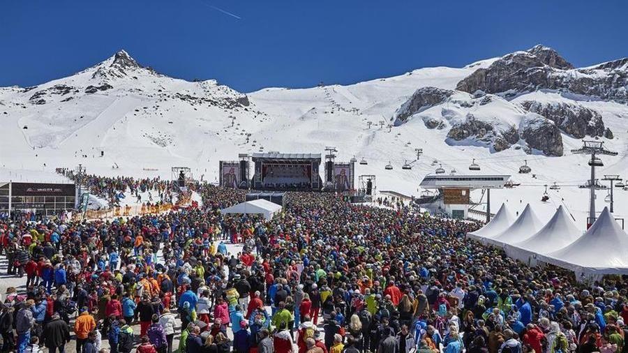 Il tempio  dell'après-ski si trasforma in focolaio Covid-19