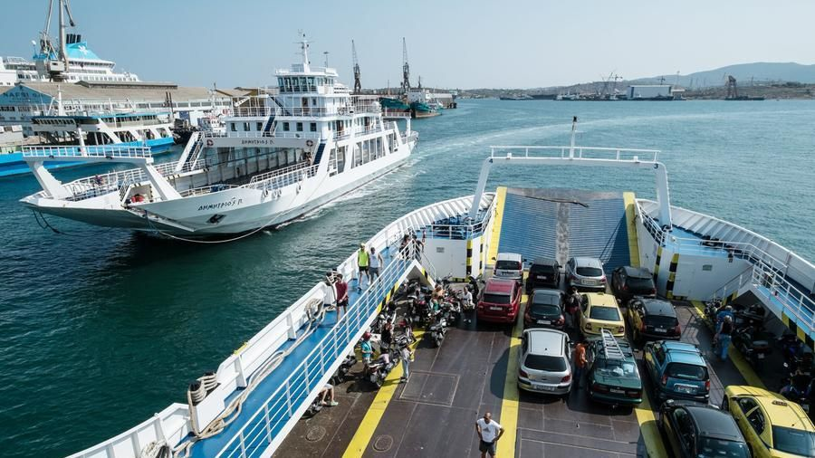 Sailing on one of the ferries that make the splola between Piraeus (port of Athens) and the island of Salamis