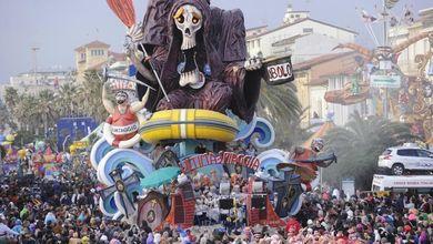 Viareggio, il crac mette a rischio il Carnevale<br /> Così le partecipate stanno affondando la città