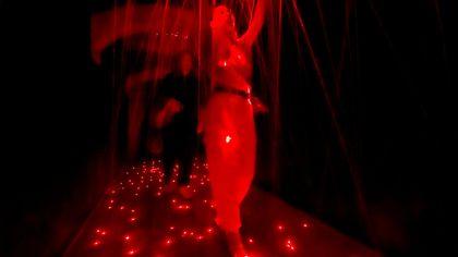 Pioggia di luce al Bdc: inaugurata la mostra  444 Linee - foto