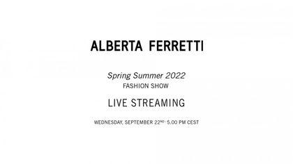 Alberta Ferretti: la sfilata della collezione primavera-estate 2022 in live streaming