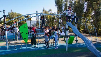 Area skate e playground, spazi per le band e circuiti benessere: così le città della Toscana sono sempre più social