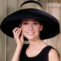 Una serie tv su Audrey Hepburn, attrice simbolo del fashion