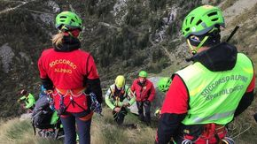 Allarme sulla catena delle guide: due alpinisti bloccati su Punta Piacenza in alta valle Gesso