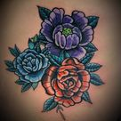 """""""Copri l'odio"""", i tatuaggi razzisti che si trasformano in fiori e paesaggi. L'idea di due tatuatori Usa"""
