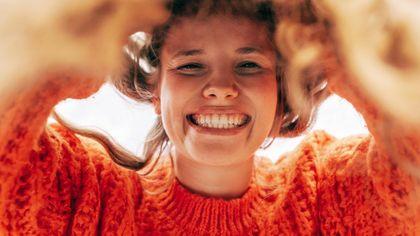 Tutte le sfumature di arancione: dal Burnt al Living Coral, per moda e bellezza i colori di buon auspicio