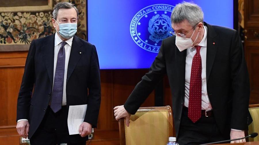 Draghi sullo sblocco dei licenziamenti: incontro con i sindacati - La Stampa