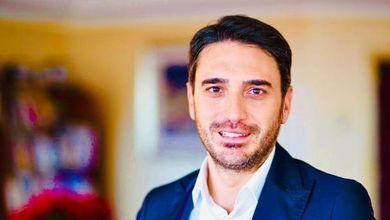 """Calabria, Nicola Irto sbatte la porta e accusa: """"Non mi candido più a governatore: il Pd è in mano ai feudi e non staremo zitti e buoni"""""""