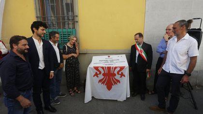 A Firenze una targa per ricordare il giornalista scrittore Tiziano Terzani