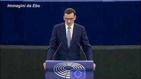 """Polexit, il premier polacco Morawiecki: """"Non accettiamo ricatti"""""""