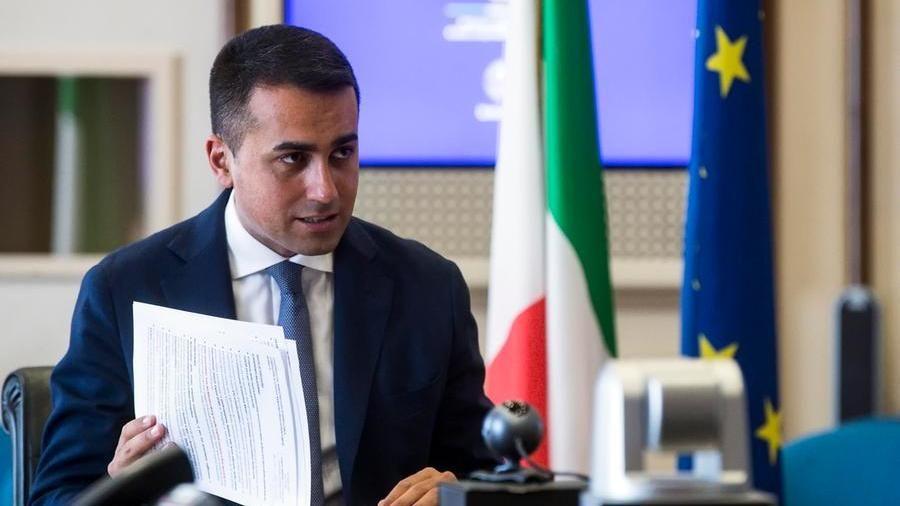 """Sui migranti Di Maio attacca l'Europa: """"Rispetti i patti"""""""