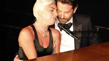 Oscar 2019, Lady Gaga e Bradley Cooper mai così vicini: Shallow emoziona
