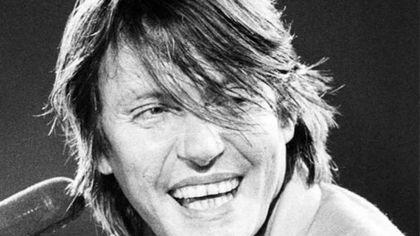 Notturno De l'Amistade: al Regio musicisti e artisti rendono omaggio a De André