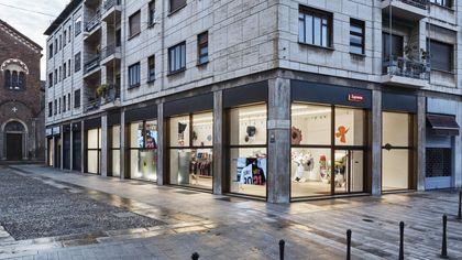 Supreme apre a Milano: inaugurato il primo negozio monomarca