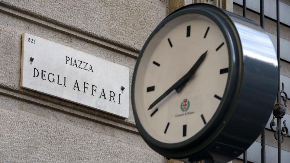 moda di lusso negozio online più economico Borsa su con Moncler e Ferrari - La Stampa