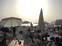 Em Israel, as pessoas dançam na discoteca sem máscara, nos bares abertos do Reino Unido: imunidade de rebanho alcançada?