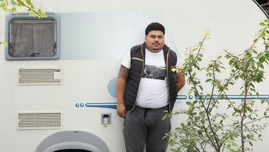 Banfy, il neomelodico star dei sinti. Che vive in un campo nomadi ma sbanca su YouTube