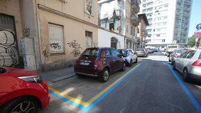 Strisce blu, a Torino stop al pagamento dei parcheggi in agosto