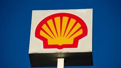 «Shell deve tagliare del 45 per cento le sue emissioni». La storica sentenza del tribunale