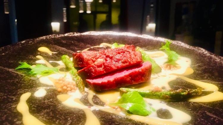 Anatra e mango, chef Cristina Bowerman (foto Mosello)