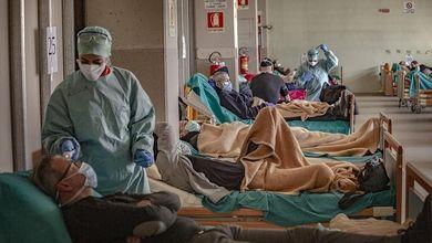 Coronavirus, la voce dell'Italia che lotta negli ospedali: «Siamo al limite ma non molliamo»