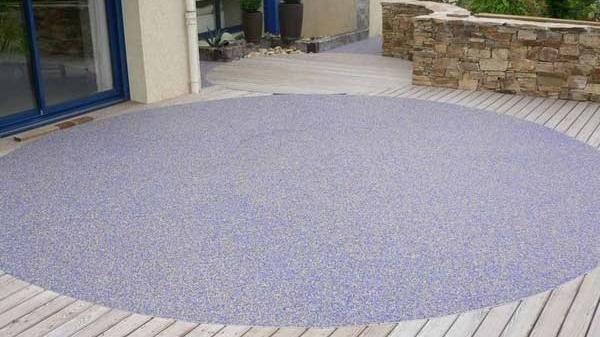Pavimento Esterno Per Giardino.Pavimenti In Resina La Soluzione Ideale Per Il Giardino Br