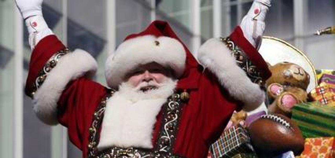 Il Vestito Nuovo Di Babbo Natale.Vestito Di Rosso Barba Bianca E Stivali La Stampa