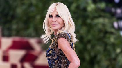 Buon compleanno Donatella Versace: la stilista compie 66 anni