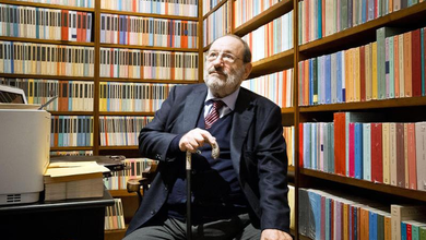 Cinque anni senza Umberto Eco, l'intellettuale che ha messo il sapere in Bustine