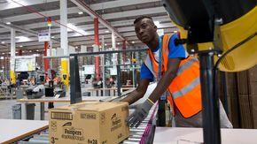 Chi ha paura dell'arrivo di Amazon a Cuneo?