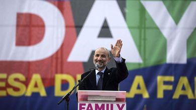 Sfida tra Renzi e Family day, lo scontro si sposta sul referendum