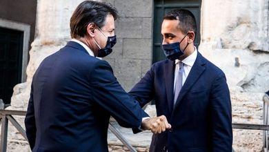 Il duello fra Luigi Di Maio e Giuseppe Conte spaventa il Movimento e il governo Draghi