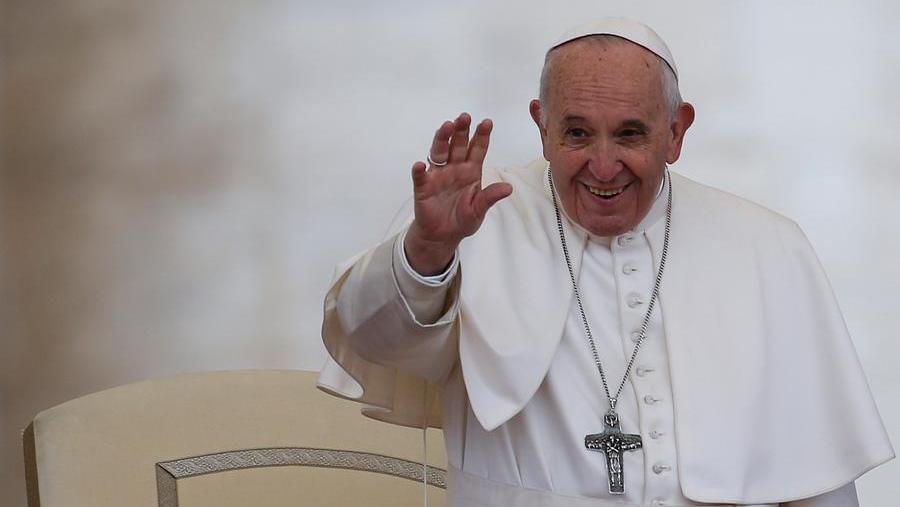 Papa Francesco Senza Cura Degli Ultimi Il Mondo Non Guarisce La Stampa