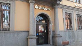 Assalto al bancomat a Cavour, ma i ladri restano beffati