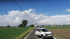Maltempo, crollano pali Telecom strada provinciale chiusa