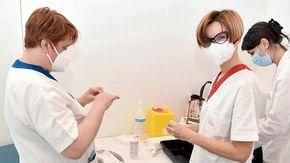 Vaccini, hub periferici chiusi: lo sconcerto dei sindaci