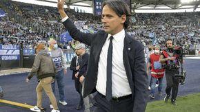 Calcio, applausi e cori per Simone Inzaghi dai laziali