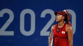 """Tokyo 2020, eliminata la tennista Osaka: """"Troppa pressione, è andato tutto storto"""""""